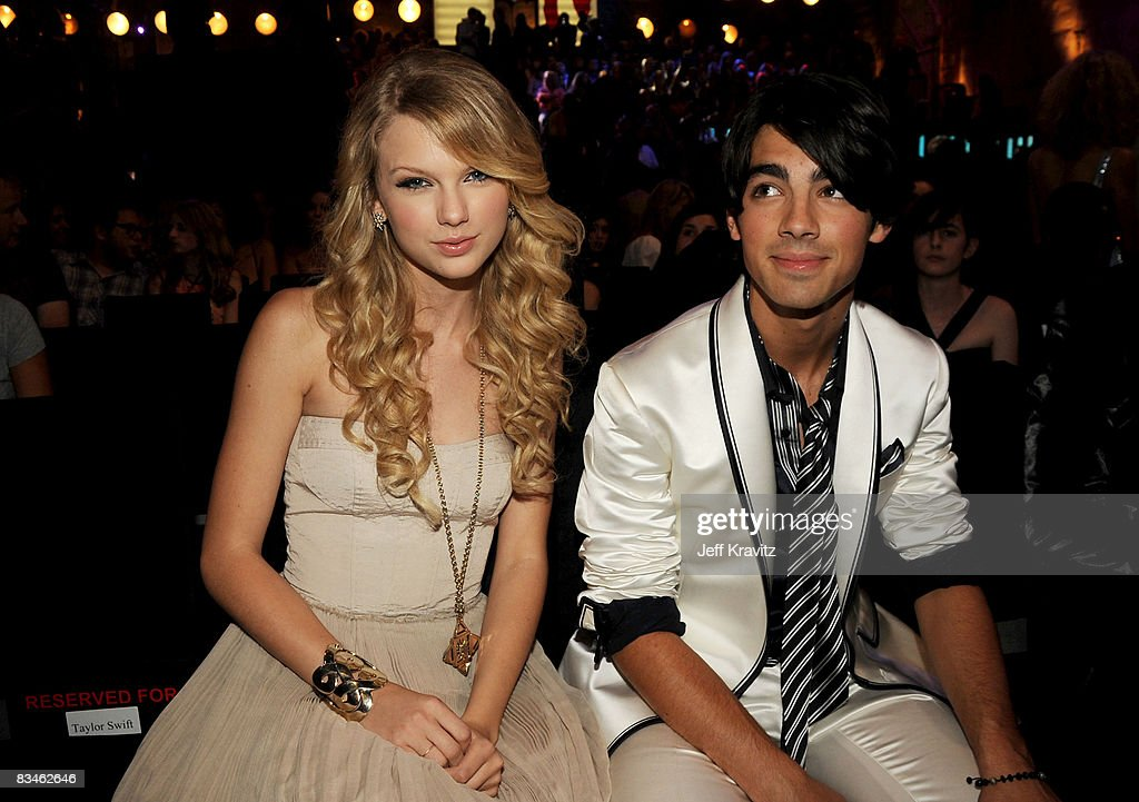 2008 MTV Video Music Awards - Backstage and Audience : News Photo