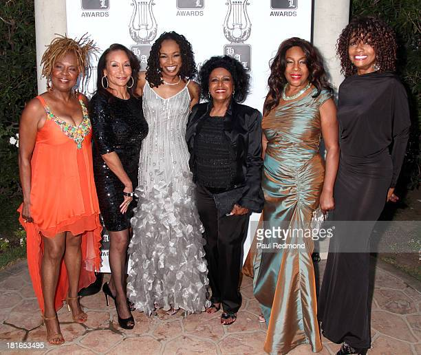 Singers Thelma Houston Freda Payne Siedah Garrett Scherrie Payne Mary Wilson and actress Beverly Todd attend the 24th Annual Heroes And Legends...