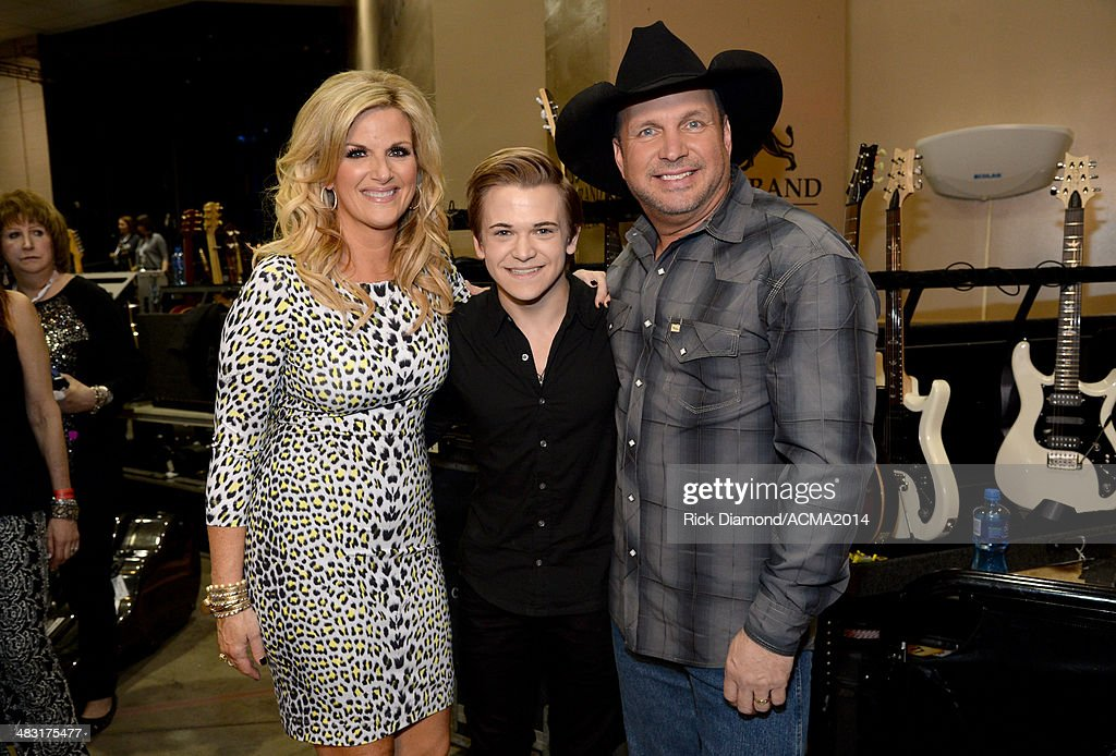 Singers Trisha Yearwood, Hunter Hayes and Garth Brooks attend the 49th Annual Academy of Country Music Awards at the MGM Grand Garden Arena on April 6, 2014 in Las Vegas, Nevada.