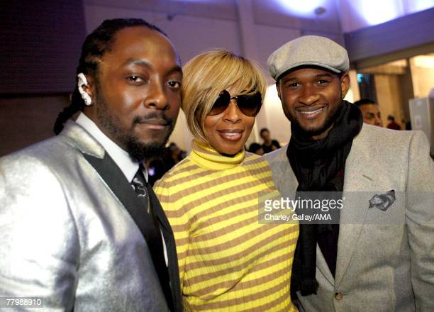 Singers WillIAm Mary J Blige and Usher in the Gold Lounge at the 2007 American Music Awards held at the Nokia Theatre LA LIVE on November 18 2007 in...