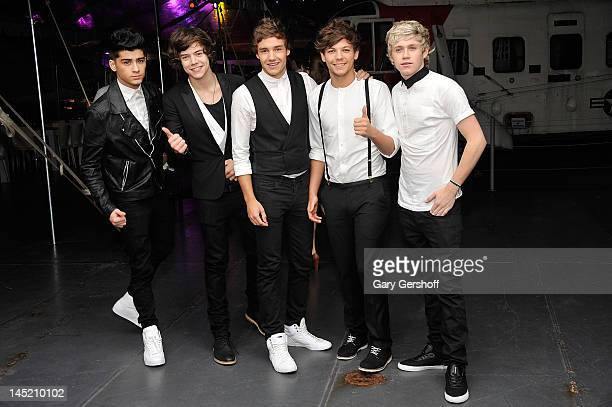 Singers Zayn Malik Harry Styles Liam Payne Louis Tomlinson and Niall Horan of the band One Direction attend the 'Men In Black 3' New York Premiere...