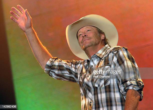 Singer/Songriter Alan Jackson performs on Day 4 of the 2012 Arizona Country Thunder Music Festival on April 15 2012 in Florence Arizona