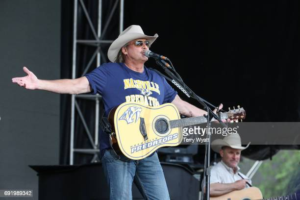 Singersongwriter Alan Jackson performs during Broadway Smash Preds Party with a Purpose on June 3 2017 in Nashville Tennessee