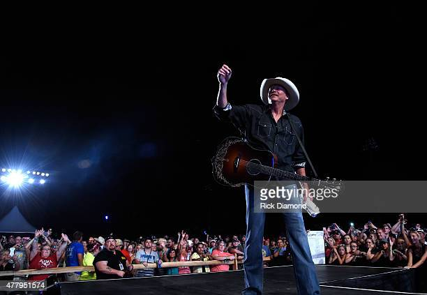 Singer/Songwriter Alan Jackson performs during The 4th Annual Pepsi's Rock The South Festival Day 2 at Heritage Park in Cullman Alabama
