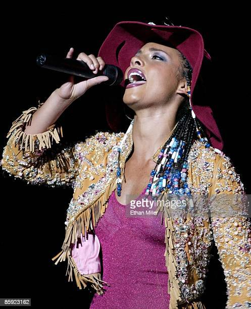 Singer/songwriter Alicia Keys performs during her soldout show at the Aladdin Theatre for the Performing Arts July 27 2002 in Las Vegas Nevada Keys...