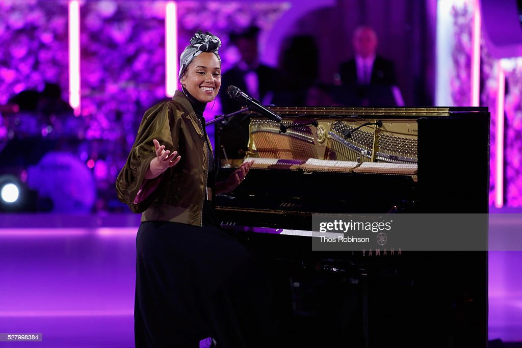 Singer-Songwriter Alicia Keys performs onstage at VH1's 'Dear Mama' Event on May 3, 2016 in New York City. Tune-in to VH1 on Sunday, May 8, 2016 at 9pm to watch 'Dear Mama'.