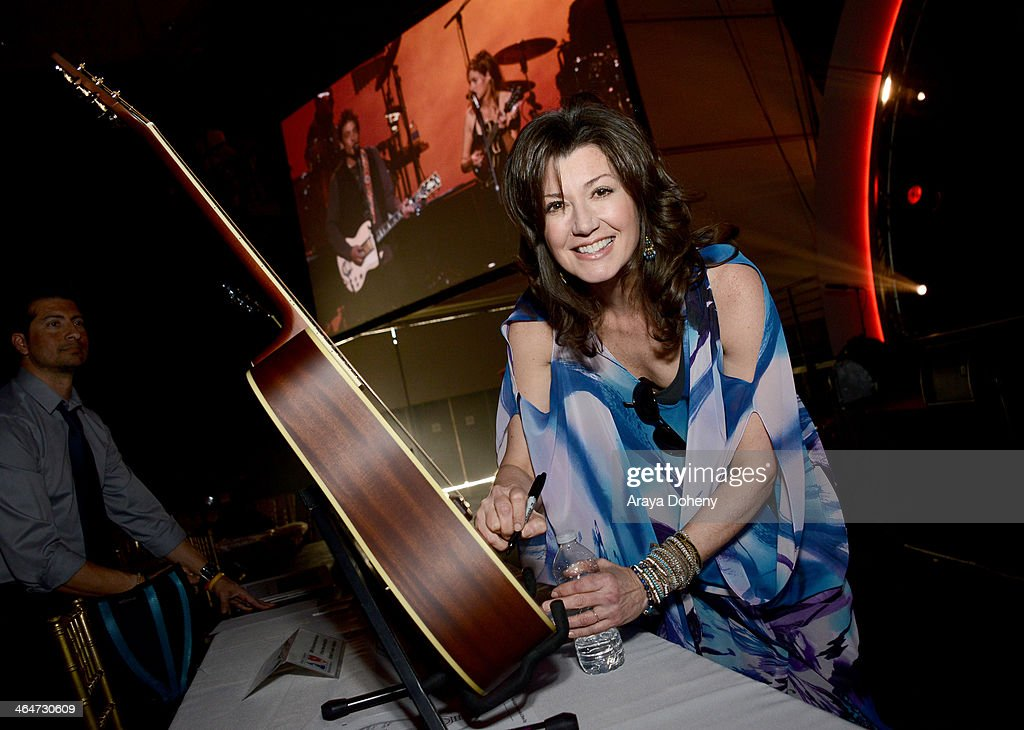2014 MusiCares Person of the Year Rehearsals, VIP Gifting and Auction Signings - Day 1 : News Photo