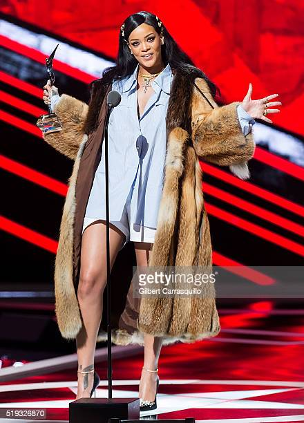Singer/songwriter and Rock Star Award recipient Rihanna speaks onstage during BET Black Girls Rock 2016 at New Jersey Performing Arts Center on April...