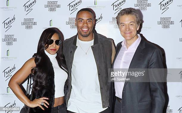 Singer/songwriter Ashanti football running back Rashad Jennings and TV personality Dr Oz attend the 2015 Giant Night of Comedy at Gotham Comedy Club...