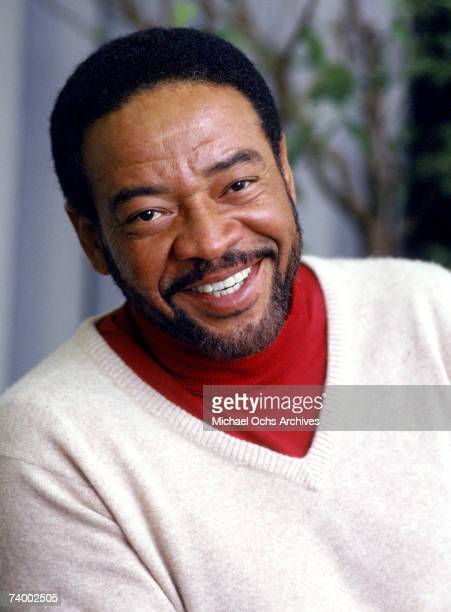 Singer/songwriter Bill Withers poses for a portrait session in 1985