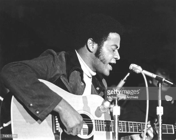 Singer/songwriter Bill Withers poses for a portrait session in circa 1973.