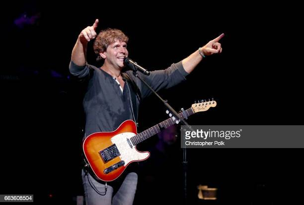 Singersongwriter Billy Currington performs onstage at the ACM Party For A Cause House Of Blues on April 1 2017 in Las Vegas Nevada