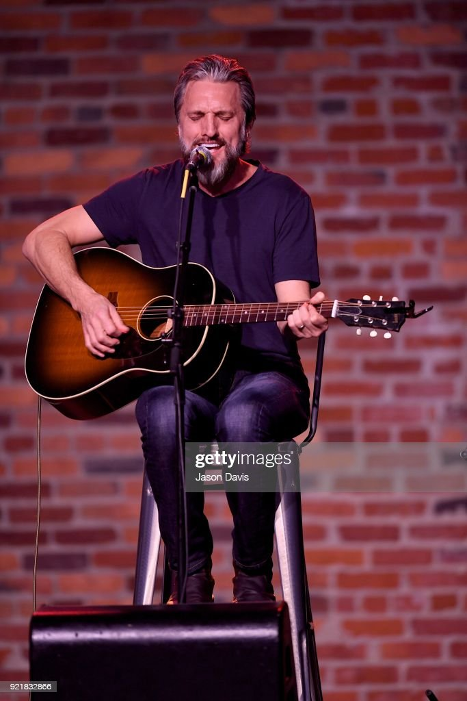 Singer/Songwriter Brett Warren performs onstage during the CMA Songwriters Series Celebrating CMA's 9th Annual Tripple Play Awards at Marathon Music Works on February 20, 2018 in Nashville, Tennessee.