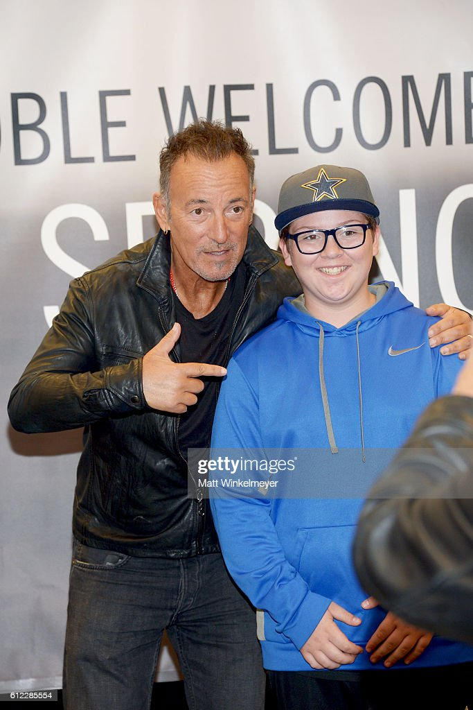 Singer-songwriter Bruce Springsteen signs copies of his new book 'Born To Run' at Barnes & Noble at The Grove on October 3, 2016 in Los Angeles, California.