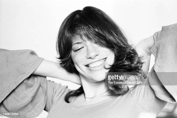 Singersongwriter Carly Simon poses for a portrait at home on February 15 1974 in New York City New York