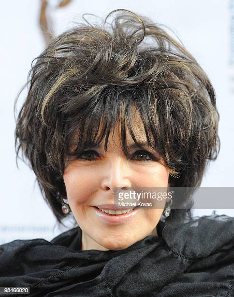 Singer/songwriter Carole Bayer Sager arrives at the American Women in Radio Television Southern California 2010 Genii Awards at Skirball Cultural...