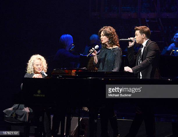 Singer/songwriter Carole King and singers Amy Grant and Jesse McCartney perform onstage during a celebration of Carole King and her music to benefit...