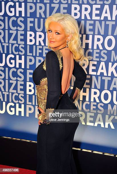 Singer/songwriter Christina Aguilera attends the 2016 Breakthrough Prize Ceremony on November 8 2015 in Mountain View California