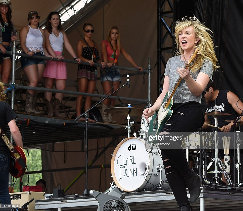 Singer Songwriter Clare Dunn Performs During Kicker