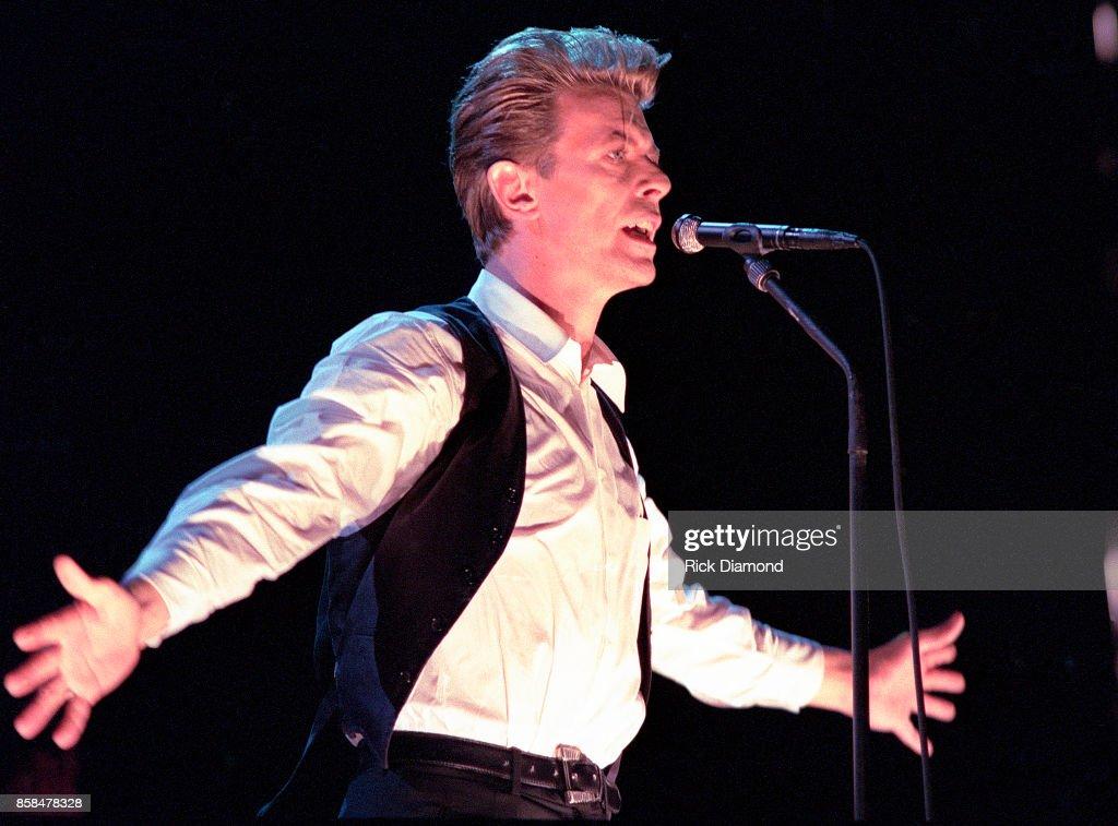 David Bowie Performs In Atlanta Georgia : News Photo