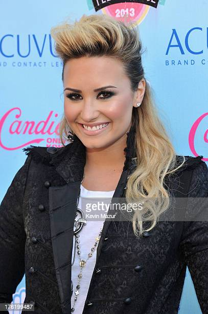 Singer/songwriter Demi Lovato attends the 2013 Teen Choice Awards at Gibson Amphitheatre on August 11, 2013 in Universal City, California.