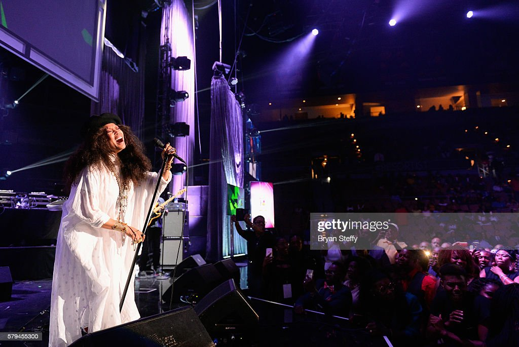 Singer/songwriter Erykah Badu performs during the 2016 Neighborhood Awards hosted by Steve Harvey at the Mandalay Bay Events Center on July 23, 2016 in Las Vegas, Nevada.