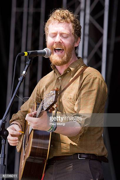 Singersongwriter Glen Hansard of The Swell Season performs during the 2008 Virgin Mobile festival at the Pimlico Race Course on August 9 2008 in...