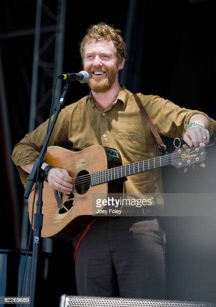 Singersongwriter Glen Hansard of The Swell Season performs during the 2008 Virgin Mobile Festival at Pimlico Race Course on August 9 2008 in...