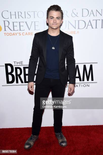 Singersongwriter Hunter Hayes attends the Samsung annual charity gala 2017 at Skylight Clarkson Sq on November 2 2017 in New York City
