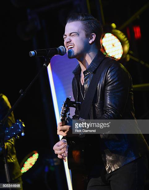 Singer/Songwriter Hunter Hayes performs at the 2016 MakeAWish Stars For Wishes at the Gaylord Opryland Hotel on January 16 2016 in Nashville Tennessee