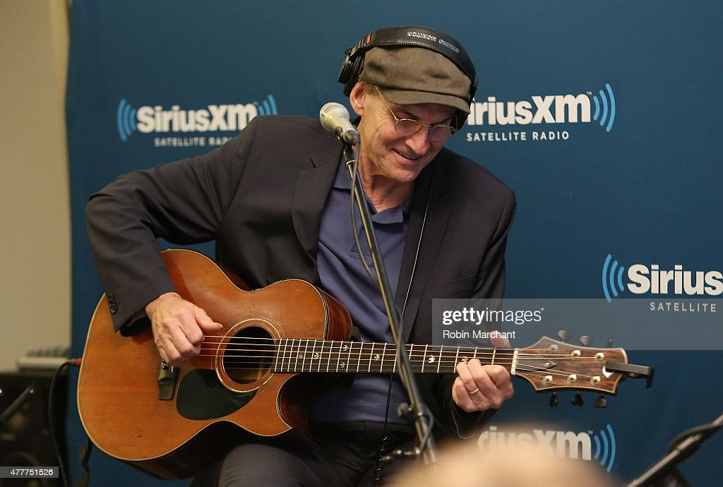 Singer-songwriter James Taylor performs during SiriusXM's 'Town Hall' with James Taylor hosted by Bob Costas at SiriusXM Studio on June 19, 2015 in New York City.