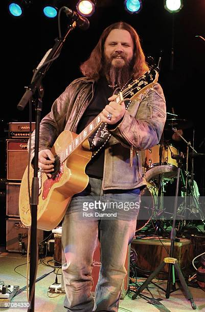 COVERAGE*** Singer/Songwriter Jamey Johnson performs in a secret show during the 2010 Country Radio Seminar at The Stage on February 25 2010 in...