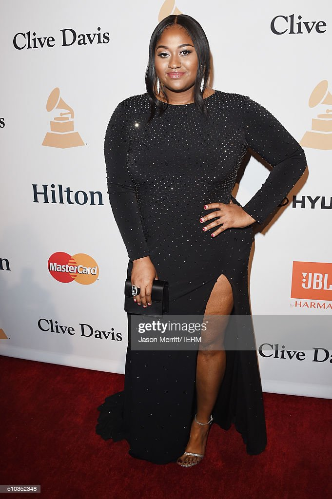 Singer-songwriter Jazmine Sullivan attends the 2016 Pre-GRAMMY Gala and Salute to Industry Icons honoring Irving Azoff at The Beverly Hilton Hotel on February 14, 2016 in Beverly Hills, California.