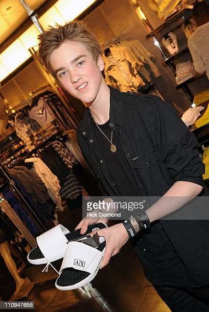 COVERAGE*** Singer/Songwriter Jessarae McQueen shop at the new Armani Exchange Atlanta store opening at Lenox Square on March 27 2011 in Atlanta...