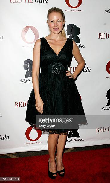 Singer/songwriter Jewel attends the Red Tie Gala Hosted by Blood:Water Mission and sponsored by Noodle & Boo at Hutton Hotel on November 21, 2013 in...