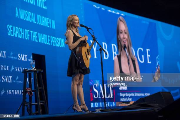 SingerSongwriter Jewel speaks at the Skybridge Alternatives conference in Las Vegas Nevada US on Thursday May 18 2017 The SALT Conference facilitates...