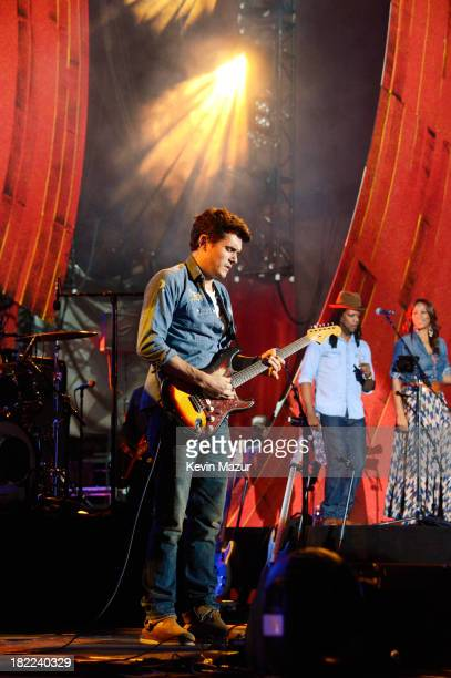 Singersongwriter John Mayer performs at the 2013 Global Citizen Festival in Central Park to end extreme poverty on September 28 2013 in New York...