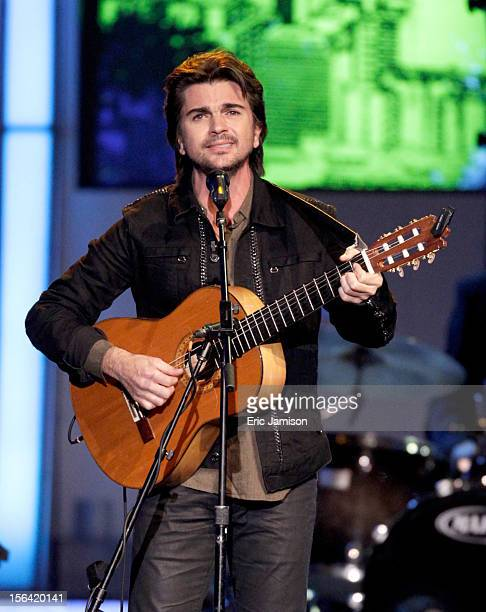 Singer/songwriter Juanes performs onstage during the 2012 Latin Recording Academy Person Of The Year honoring Caetano Veloso at the MGM Grand Garden...