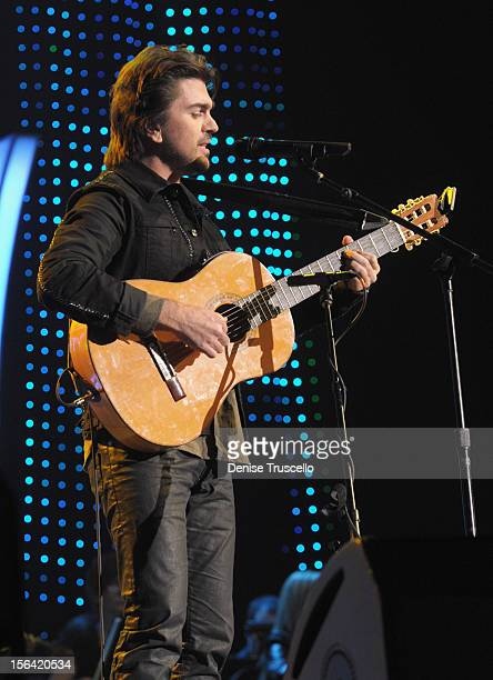 Singer/songwriter Juanes performs onstage during the 2012 Person of the Year honoring Caetano Veloso at the MGM Grand Garden Arena on November 14...