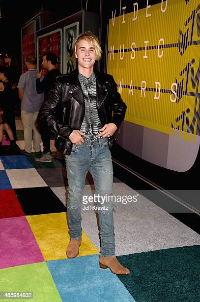 Singersongwriter Justin Bieber attends the 2015 MTV Video Music Awards at Microsoft Theater on August 30 2015 in Los Angeles California