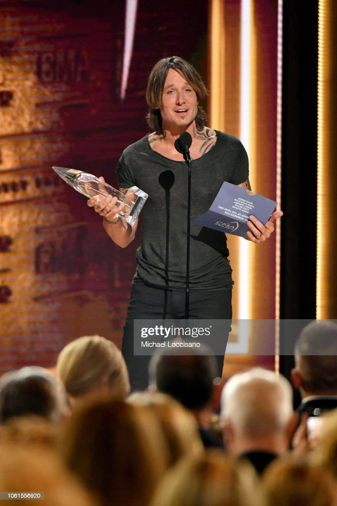 The 52nd Annual CMA Awards - Show : News Photo