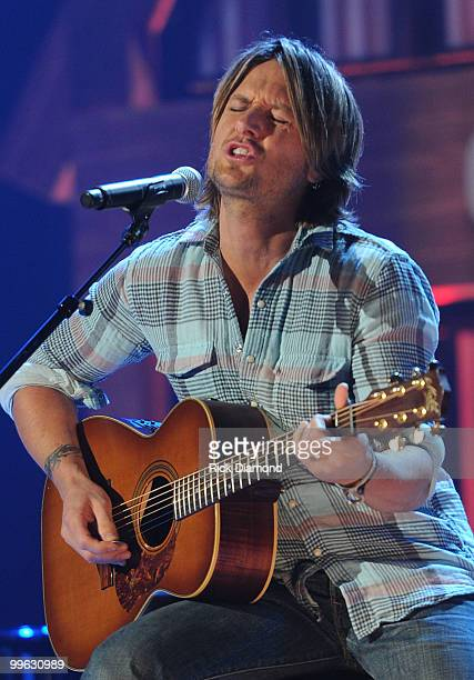 Singer/Songwriter Keith Urban performs during the Music City Keep on Playin' benefit concert at the Ryman Auditorium on May 16, 2010 in Nashville,...