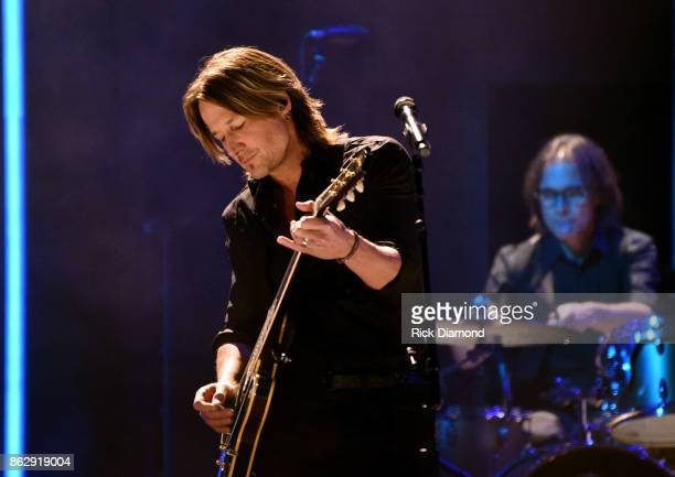 Singersongwriter Keith Urban performs onstage at the 2017 CMT Artists Of The Year on October 18 2017 in Nashville Tennessee