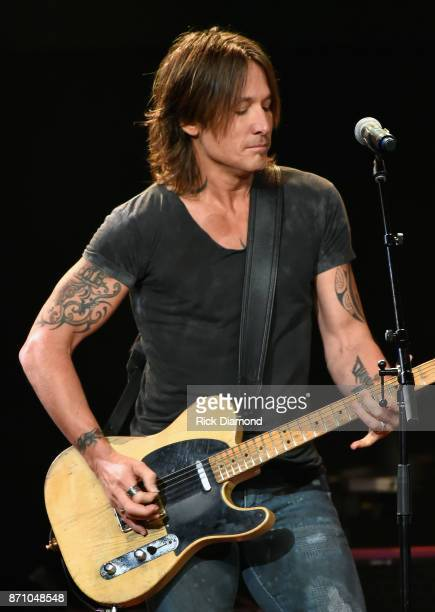 Singersongwriter Keith Urban performs onstage during the 55th annual ASCAP Country Music awards at the Ryman Auditorium on November 6 2017 in...
