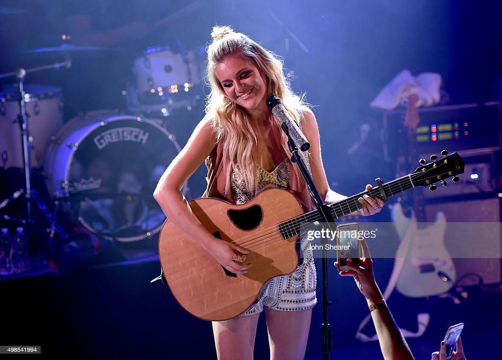 Kelsea Ballerini Performance At The Troubadour For The First Time