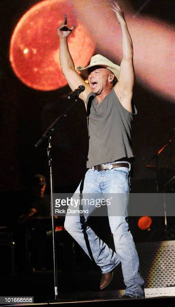 Singer/Songwriter Kenny Chesney performs during the 2010 BamaJam Music Arts Festival at the corner of Hwy 167 and County Road 156 on June 5 2010 in...