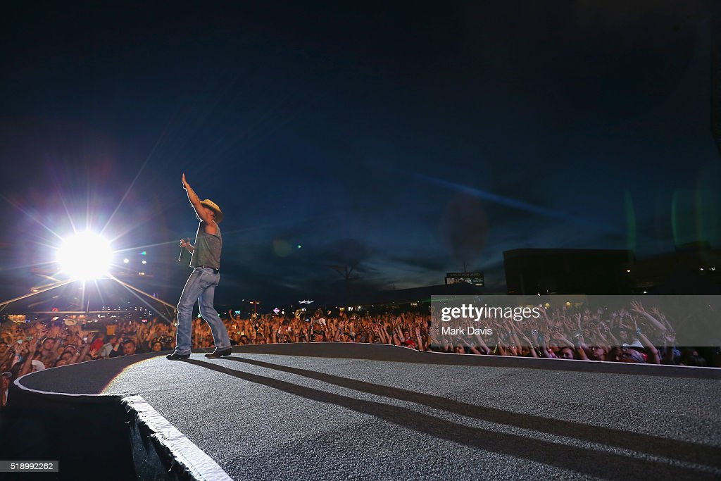 Singer-songwriter Kenny Chesney performs onstage during the 4th ACM Party For A Cause Festival at the Las Vegas Festival Grounds on April 3, 2016 in Las Vegas, Nevada.