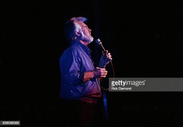 Singer/Songwriter Kenny Rogers performs at The OMNI Coliseum in Atlanta Georgia December 211986