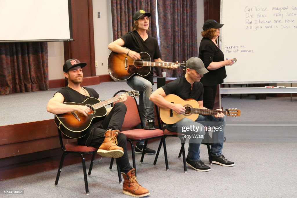 Singer-songwriter Kip Moore, Producer Ross Copperman and songwriter Jon Nite join ACM Lifting Lives campers during ACM Lifting Lives Music Camp Songwriting Workshop at Vanderbilt University on June 14, 2018 in Nashville, Tennessee.