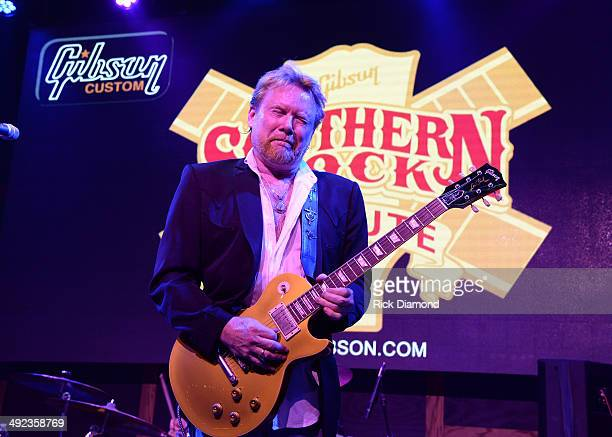 Singer/Songwriter Lee Roy Parnell performs during the Gibson Custom Southern Rock tribute 1959 Les Paul guitar unveiling at 12th And Porter Club on...